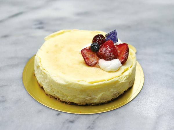スフレチーズケーキ(ホール)